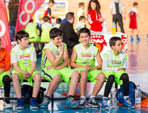Dentistas y la Copa COVAP inciden en la importancia de una alimentación sana para reducir las caries que sufren casi 330.000 niños en Andalucía